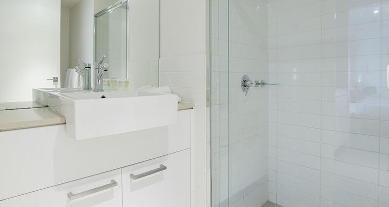 gabba-central-apartments-studio-shower | Gabba Central Apartments - Brisbane