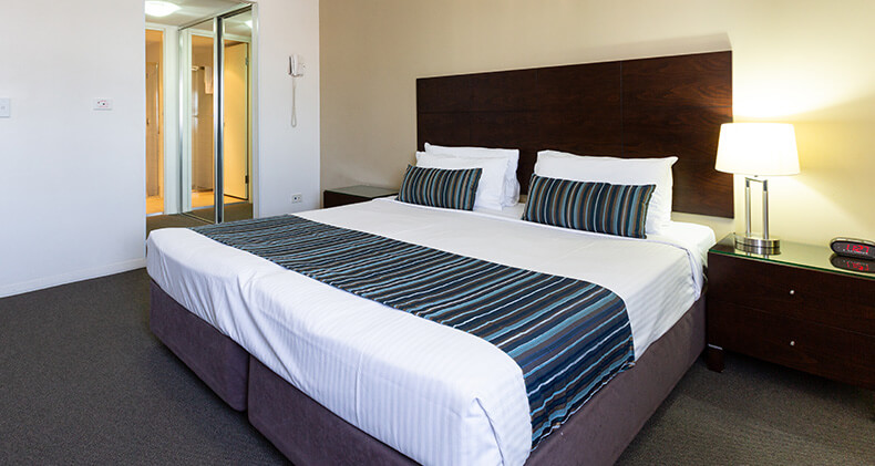 gabba-central-hotel-room-bed | Gabba Central Apartments - Brisbane