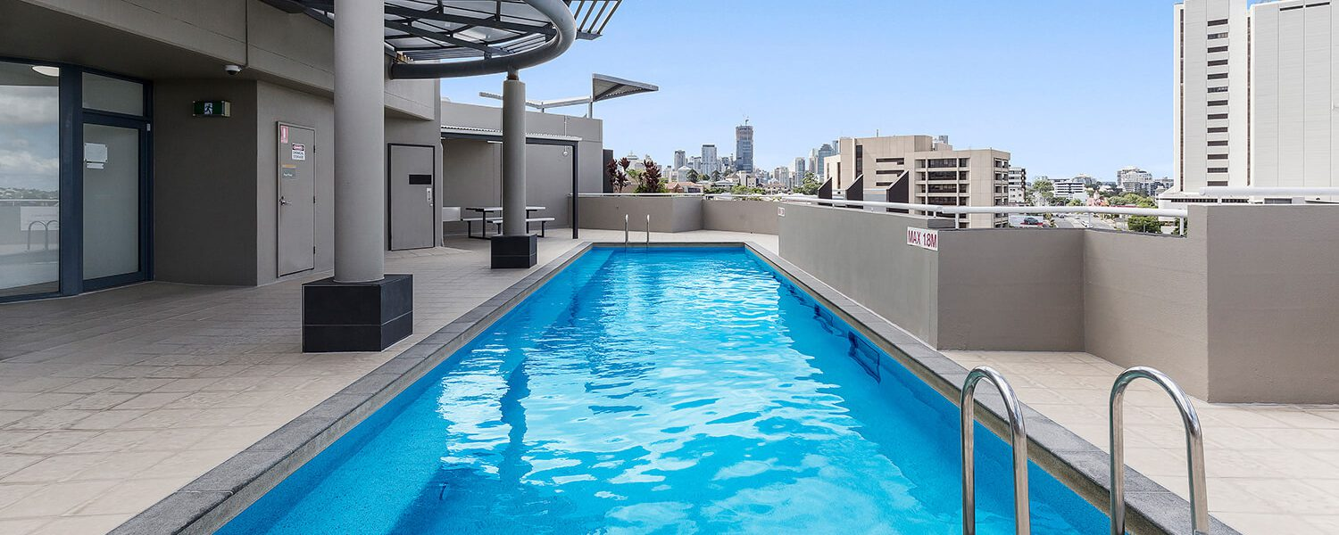 roof-top-pool | Gabba Central Apartments - Brisbane